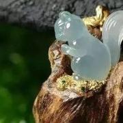 沉香翡翠:网上看到一组非常漂亮的翡翠沉香图,精美绝伦,分享给大家