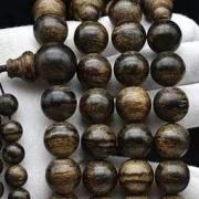 沉香知识:沉香手串为什么没有佛塔?108颗的沉香佛珠为什么有佛塔?